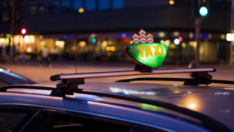 ¡Un  ciudadano  noruego  pide  un  taxi  y  cruza  3  países  debido  a  su  embriaguez!