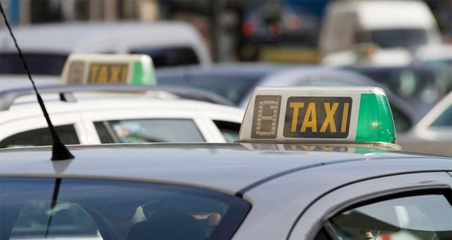 5  razones  por  las  que  no  utilizar  UBER  y  seguir  utilizando  taxi